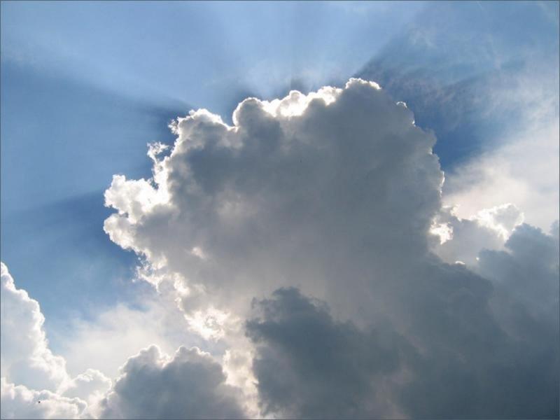 Погода на 7 травня сонце крізь хмари