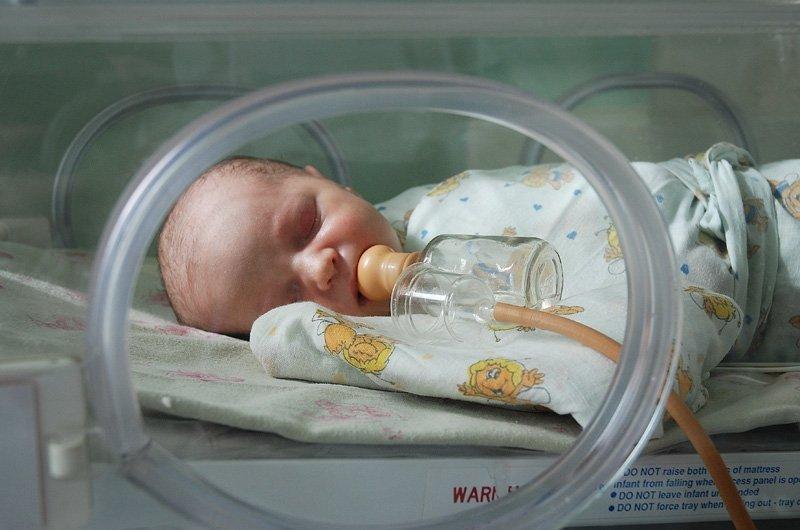 Недоношених дітей – тільки за рік у