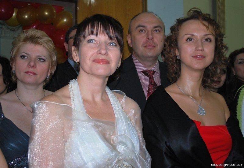 moloka-nayti-damu-v-lutsku-zhivot-devushki-foto