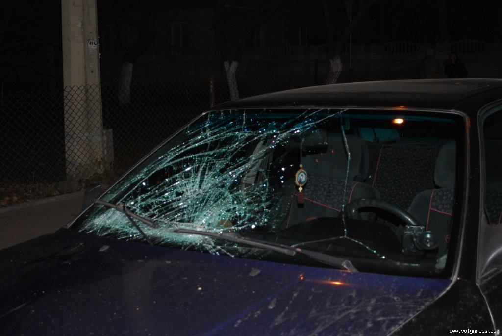 У Франківську водій на пішохідному переході збив двох дівчат