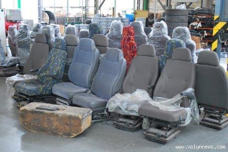 У Луцьку фарбуватимуть автобуси за 49 хвилин, фото-9