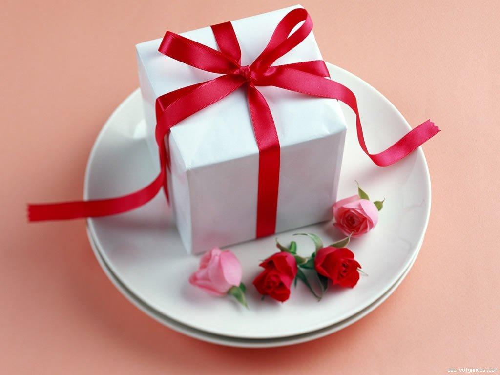 Кто похвалит меня лучше всех тот получит сладкую конфетку)))