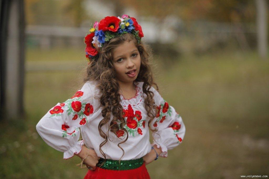 Українка-волинянка»: 9-річна лучанка стала зіркою. ВІДЕО. ФОТО