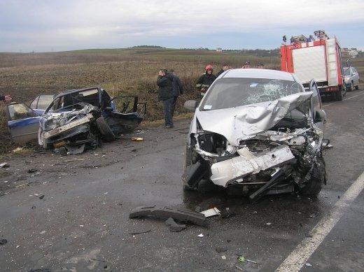 На дорозі Луцьк-Рівне ДТП  авто перетворилися у купу брухту 26a298614601f