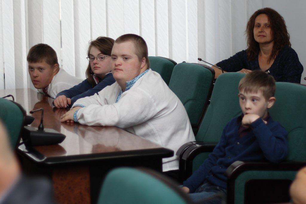 Діти виручили майже тисячу гривень