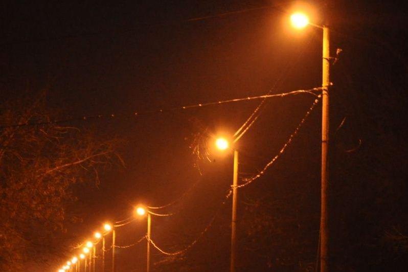 Освітлення вулиць Канева переходить на осінньо-зимовий період