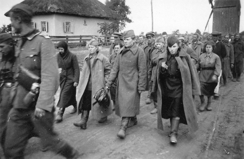 всего фото пленных немок вуза