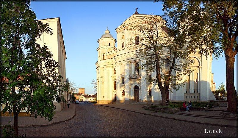 """Результат пошуку зображень за запитом """"Костел Св.Петра и Св.Павла XVII в луцк"""""""