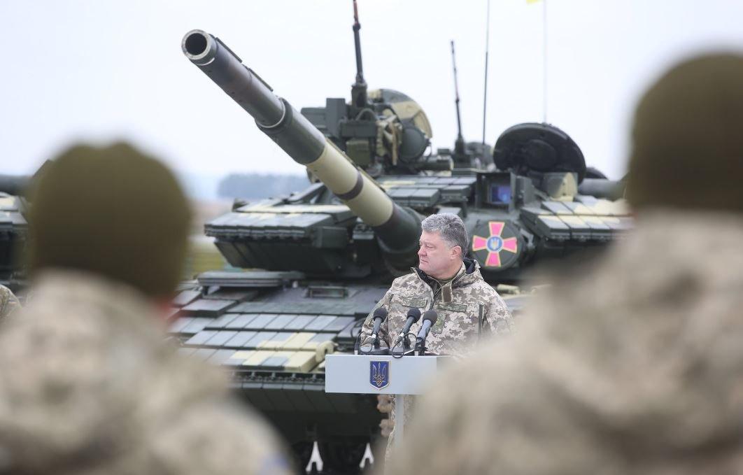 З кінця жовтня українська армія стає контрактною, добровольчою— Порошенко