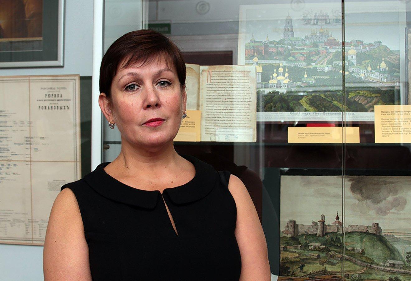 Адвокат: Екс-директору української бібліотеки вМоскві зламали хребет