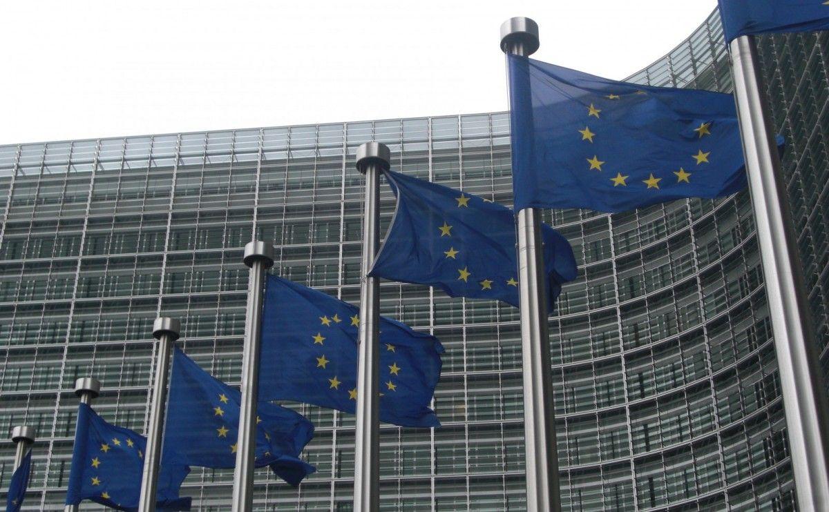 Крок назад: Єврокомісія почала процедуру введення санкцій проти Польщі