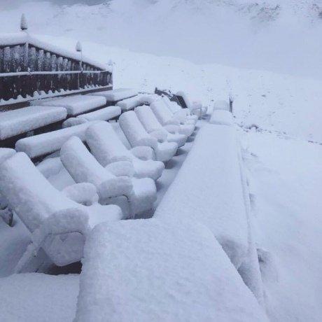 УШвейцарії після спеки пішов сніг