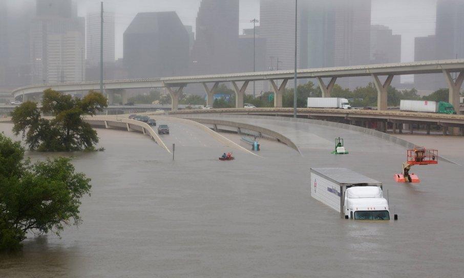 Руйнівний ураган «Харві» уТехасі затопив Х'юстон і забрав життя декількох людей