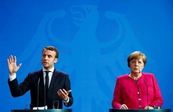 Заява Макрона таМеркель: «Шкільне перемир'я» наДонбасі недотримується