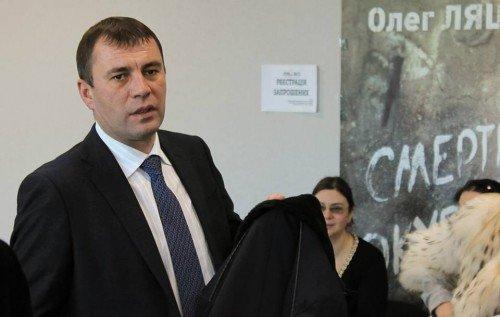 Удепутата вцентрі Києва викрали дорогий автомобіль
