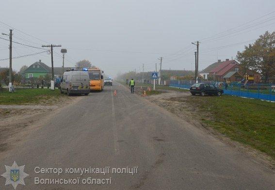 НаВолині трактор збив насмерть малолітню дівчинку