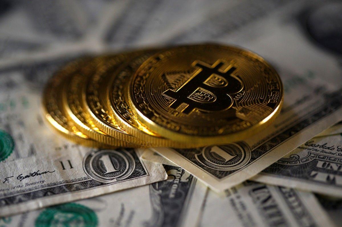Вартість Bitcoin побила новий рекорд: 17 тисяч