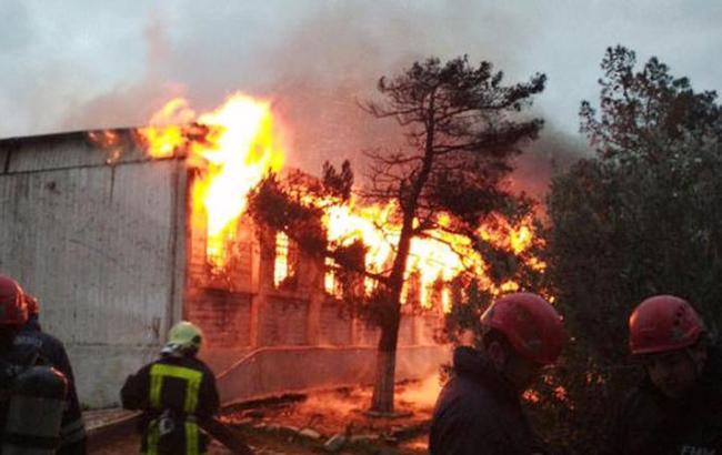 УБаку під час пожежі внаркологічному центрі загинули щонайменше 30 осіб
