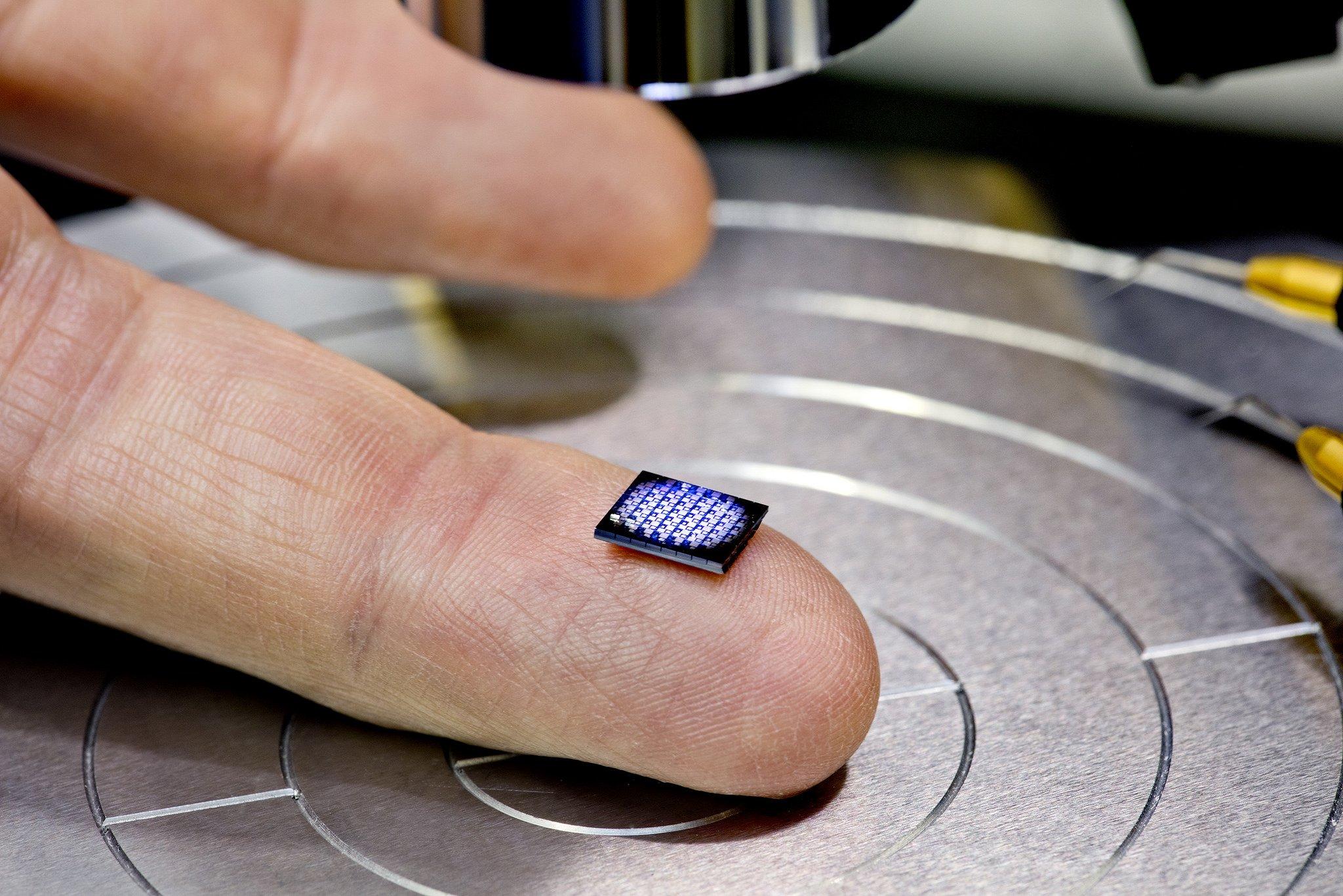 IBM створила найменший всвіті комп'ютер