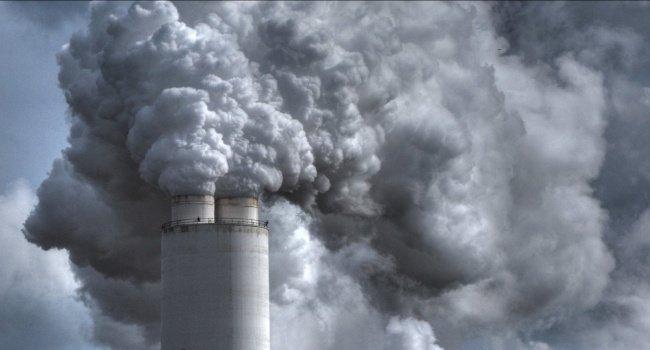 Земля помирає: повітря, вода, природа