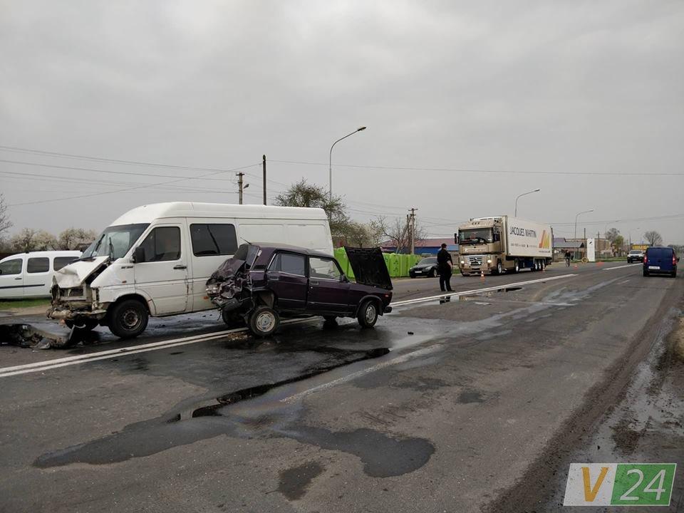 Під Луцьком в ДТП розбилися автівки 14efb4c661909