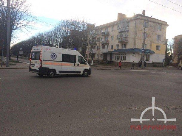 У Луцьку жінка кидалася під колеса авто (ФОТО), фото-1