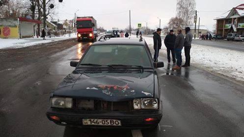 На Прикарпатті водій збив 8-річного хлопчика, який перебував посередині дороги