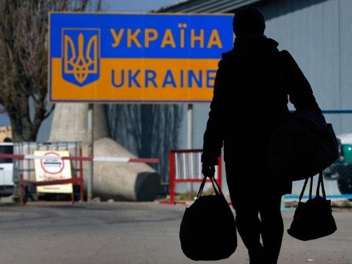 Робота закордоном: порахували, скільки трудових мігрантів серед українців