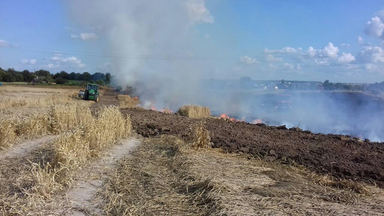 У селі неподалік Луцька сталась масштабна пожежа (фото)