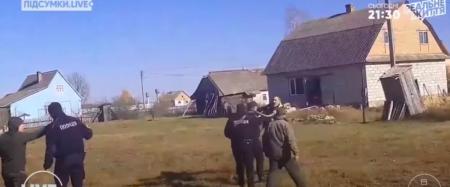 Поліція встановлює обставини інциденту в Стобихівці між підприємцем та журналістами