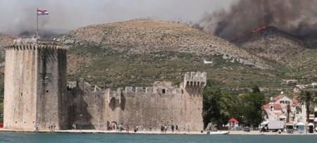 У Хорватії спалахнули лісові пожежі