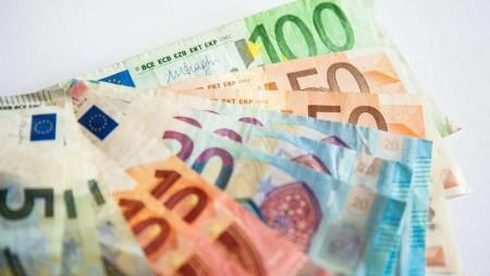 Від початку року в Україну вже переказали понад 6 мільярдів доларів