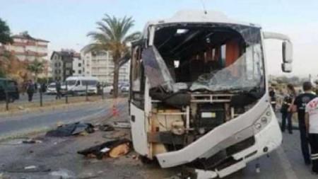 В Анталії перекинувся автобус з російськими туристами: є загиблі, багато поранених