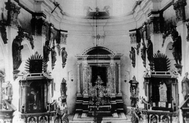 Інтер'єр колегіального костелу, 1900 р.