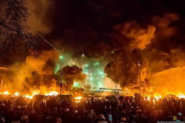 Щоб ніколи не забути: вражаючі фото з Майдану (Фоторепортаж)