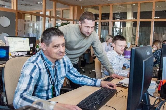 Начальник відділу технічної підтримки Андрій Руденко з колегами