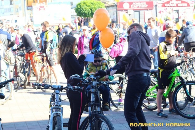 Велодень 2018: лучани на велосипедах об'їхали центральні вулиці міста (ФОТО), фото-1