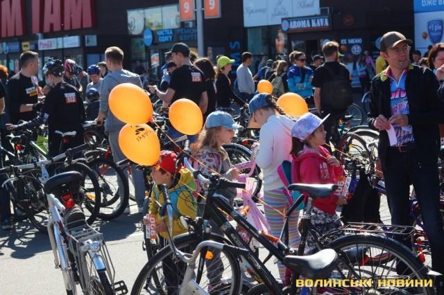 Велодень 2018: лучани на велосипедах об'їхали центральні вулиці міста (ФОТО), фото-8