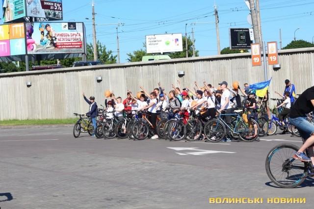 Велодень 2018: лучани на велосипедах об'їхали центральні вулиці міста (ФОТО), фото-16