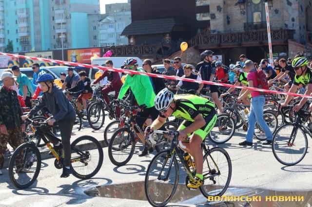 Велодень 2018: лучани на велосипедах об'їхали центральні вулиці міста (ФОТО), фото-25