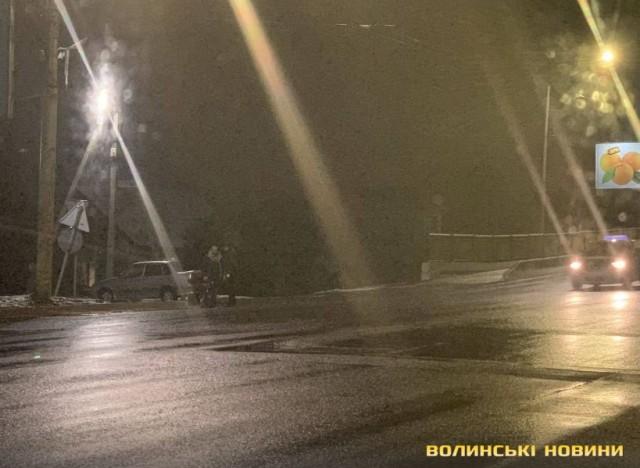 У Луцьку таксист порушив правила дорожнього руху і збив велосипедиста, – очевидець