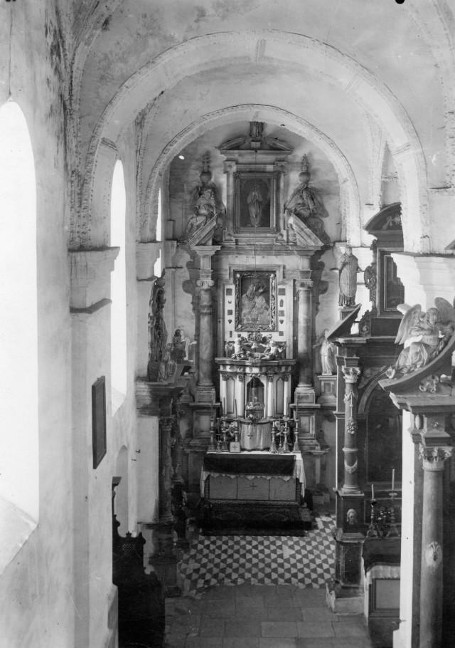 Інтер'єр колегіального костелу, фото до 1945 р.